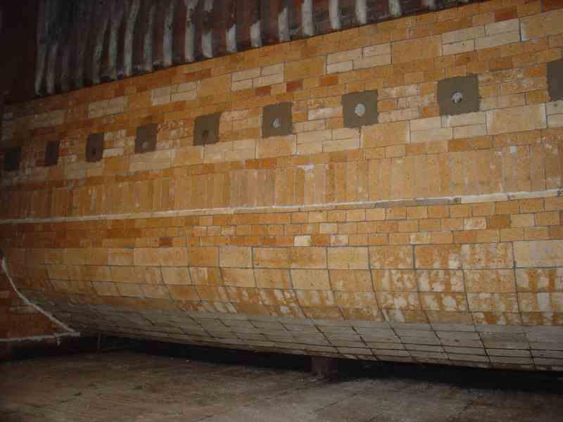 Reparatur und Bau vom Zündgewölbe des Kessels OR-32 | Dan-Bud
